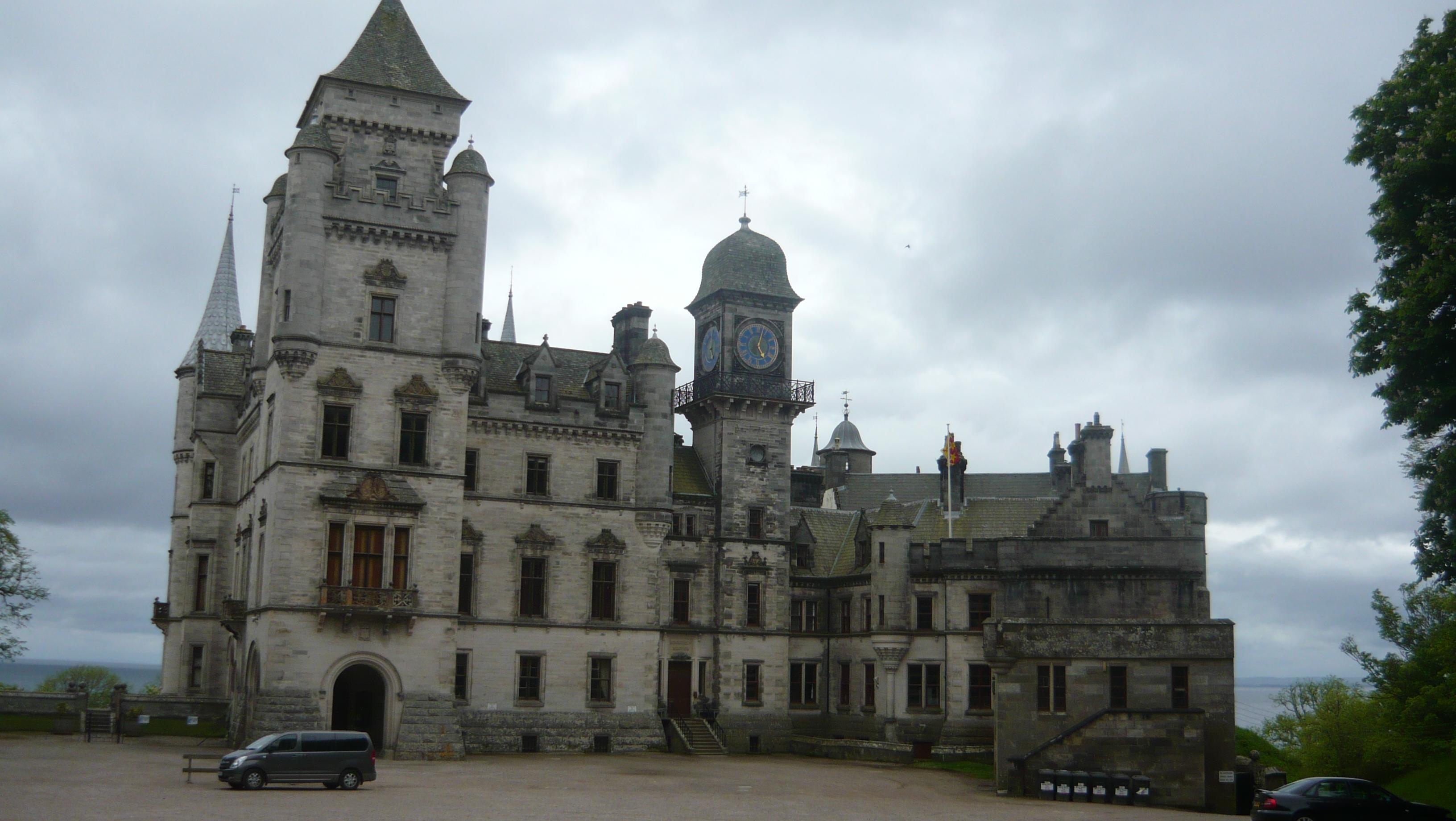 Highland Tour Guide Dunrobbin Castle.JPG