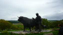 Inverness Tour guide Droving statue.JPG