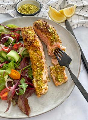 פילה דג עם קראסט פיסטוקים ב-5 דקות