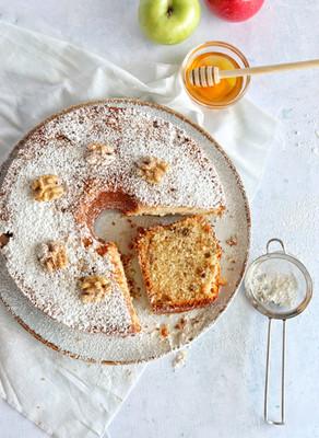 עוגת תפוחים גבוהה ועסיסית- רכה במיוחד