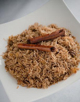 אורז בריאני עם פיצוחים, פירות יבשים ותבלינים
