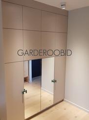 GARDEROOBID M.jpg