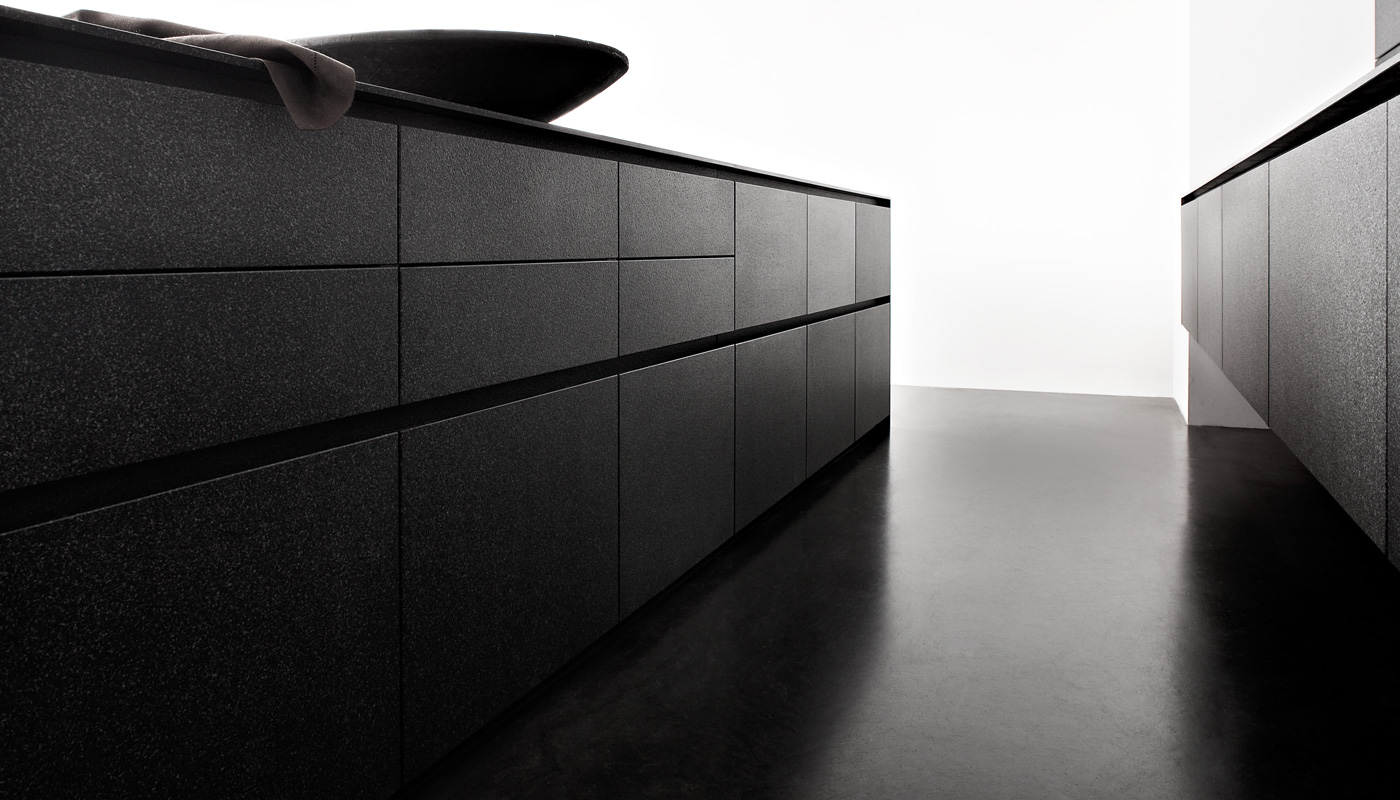 Granite Volcano black with The Wall panelling system