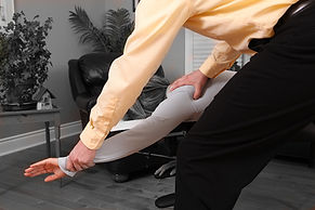 chiropractor, Back pain Neck pain Shoulder pain Hip pain Sciatica (leg pain) Arm pain Headaches Whiplash Disc Herniation Knee Pain