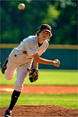 3 Ways to Prevent Herniated Discs During Softball Season