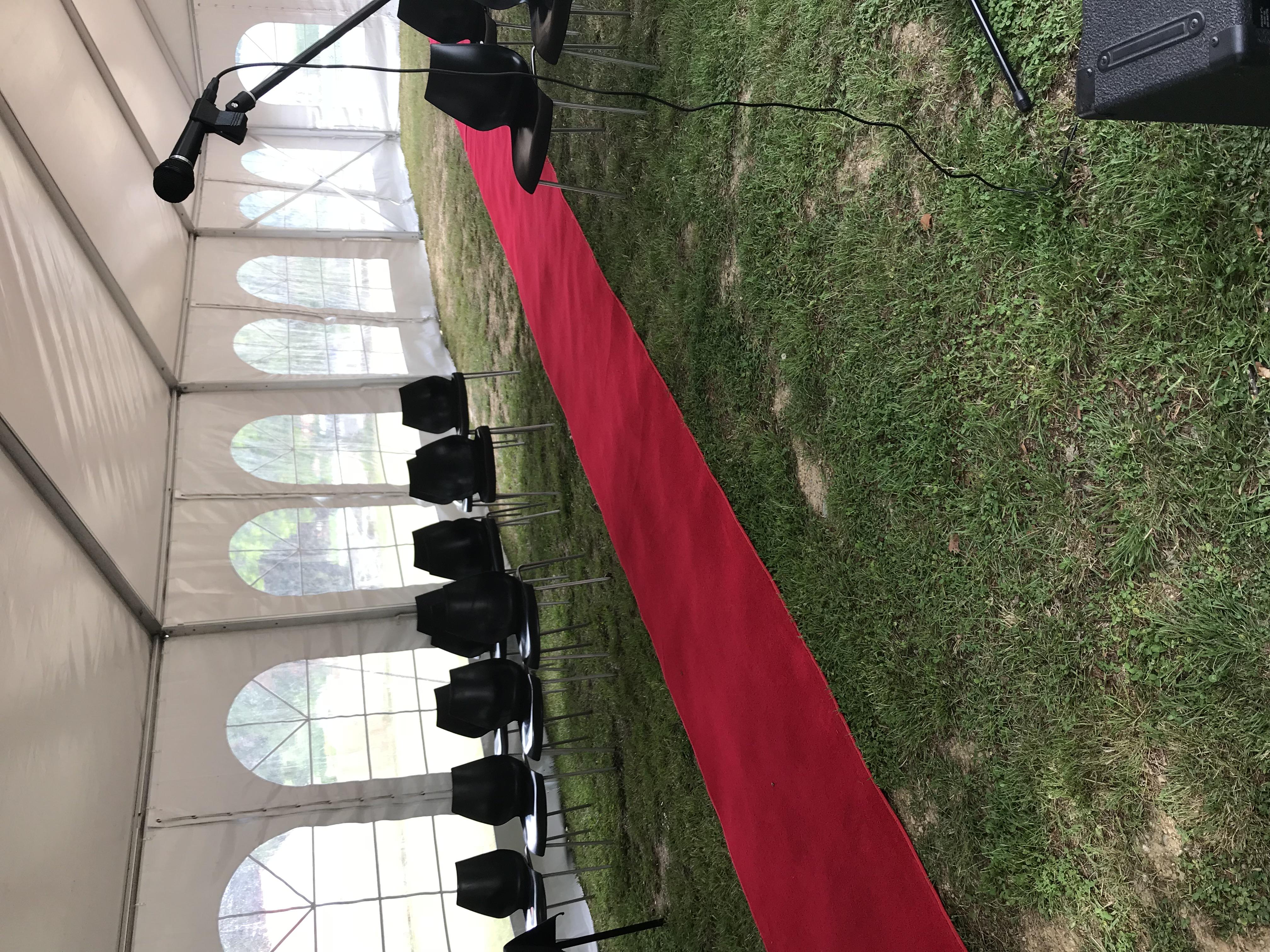 Every bride needs a red carpet