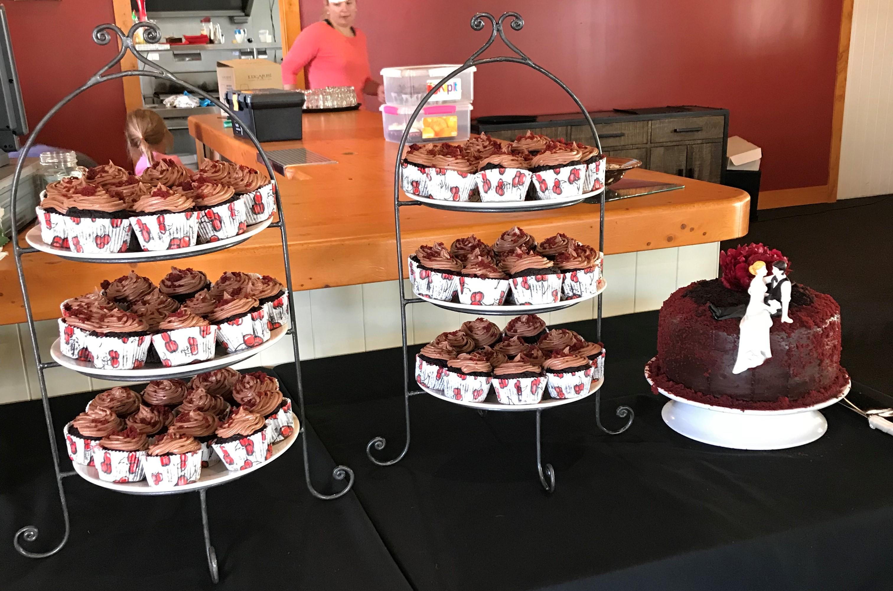 Wedding dessert cupcakes