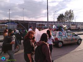 Carro enjambre marcha mujeres del sur.jp