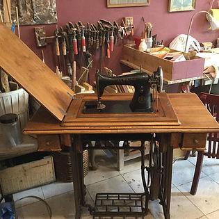 silla de madera restaurada