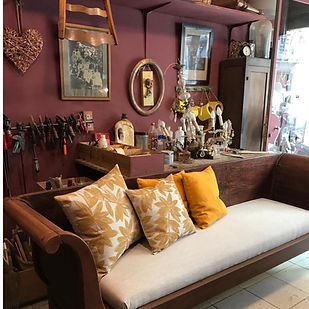mueble de madera restaurado