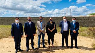 Paulo Maia visita terreno onde será construída sede própria da Subseção do Cariri