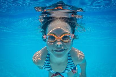 underwater-portrait-of-child-PAC574J.jpg