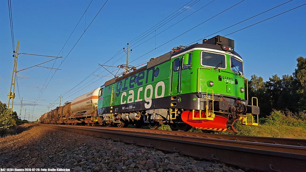 Rd2 1028 i Hamra med godståg. Foto: Stoffe Källström.