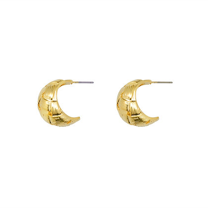 Gold Weave Crescent Earrings