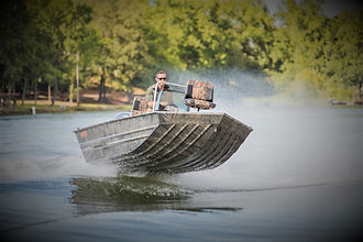 The MXL has an extra wide aluminum floor similar to the Marsh Series, but is offered in larger sizes. This boat is built with the ...