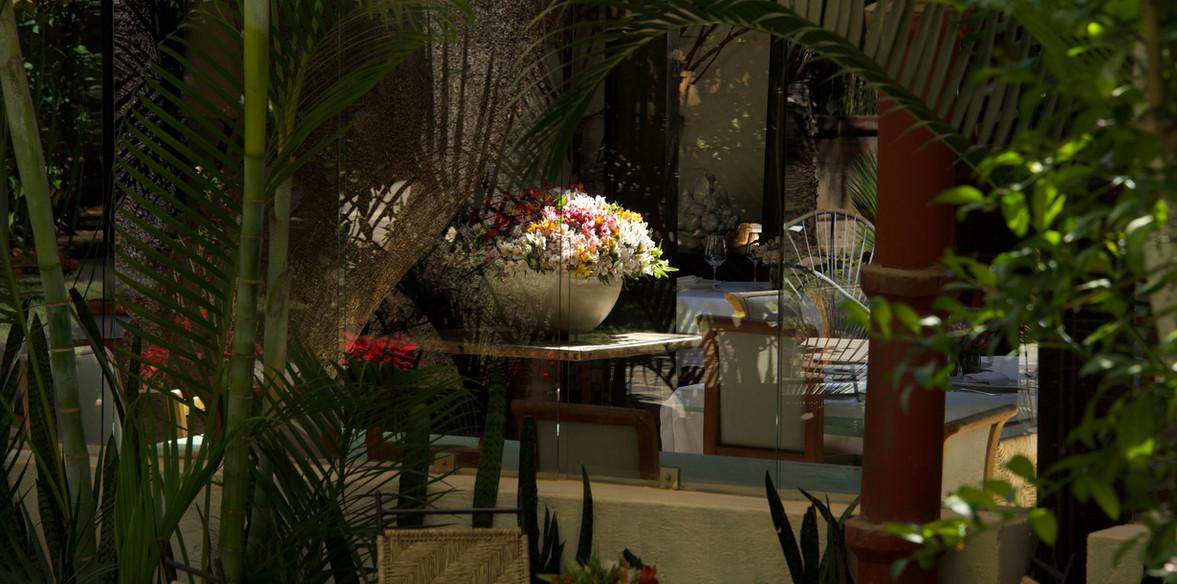 Florero en restaurant.jpg