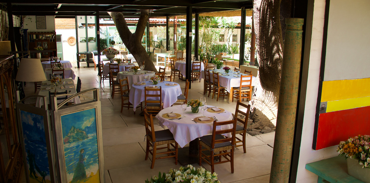 Restaurant Full.jpg