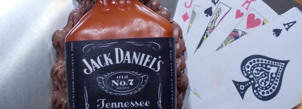 Jack%20Daniels%20Cake_edited.jpg