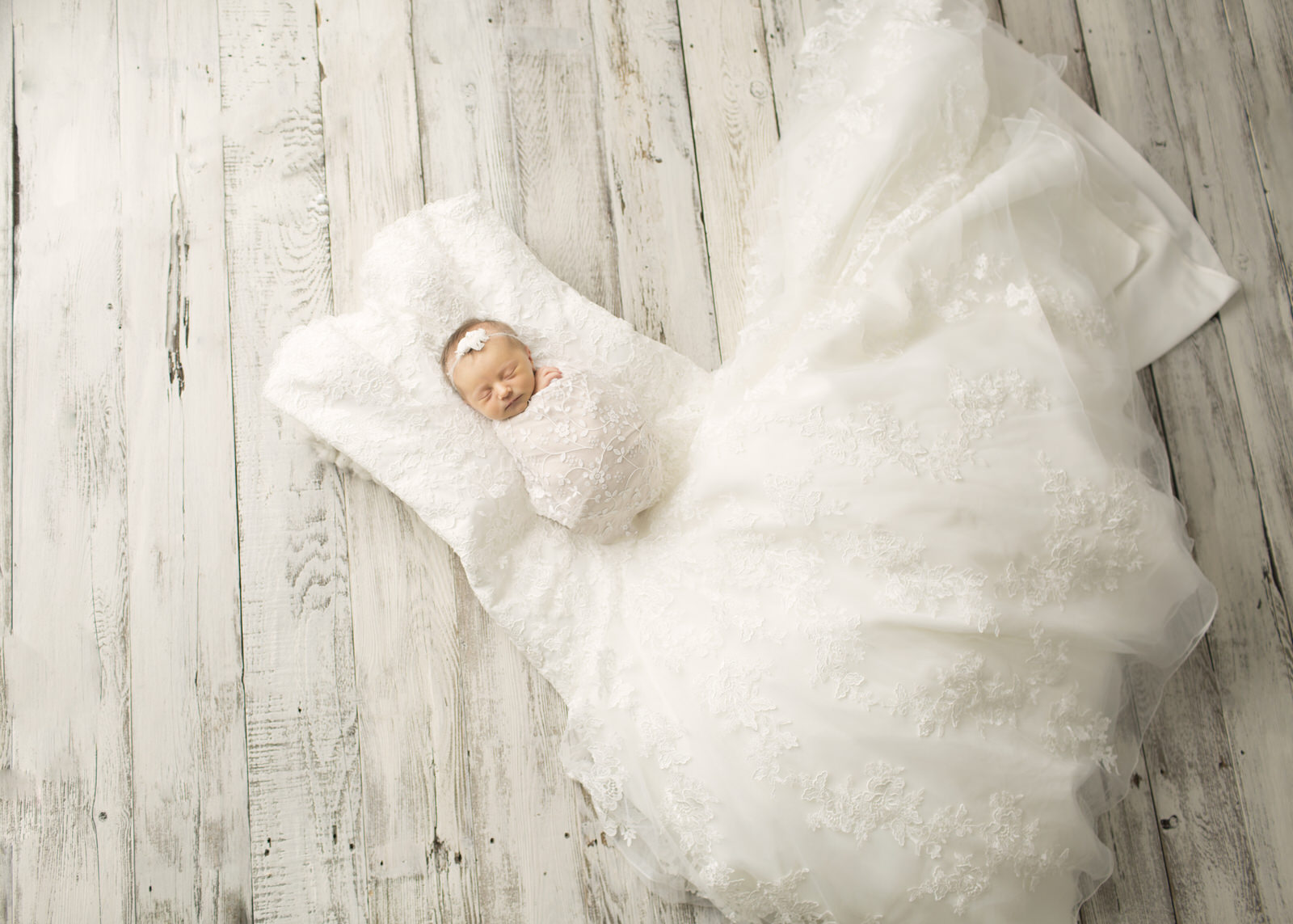 Newborn Photography Wedding Dress
