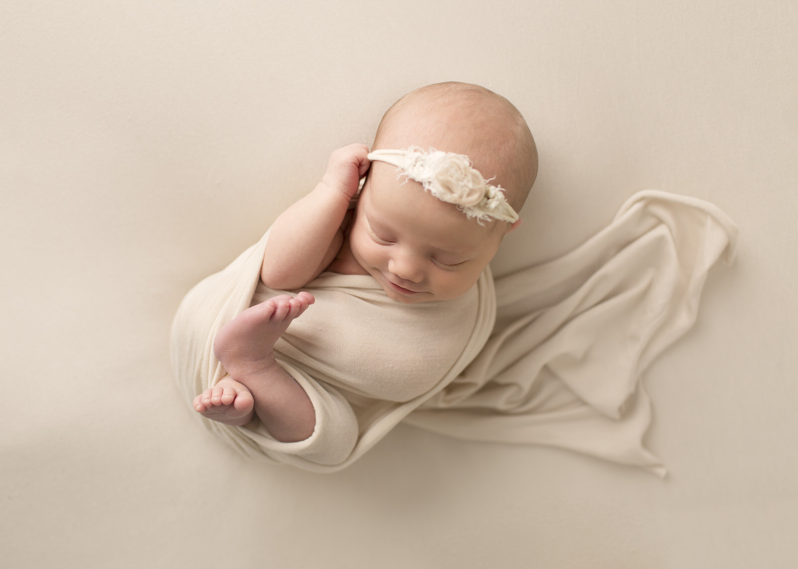 Newborn photographer Sask
