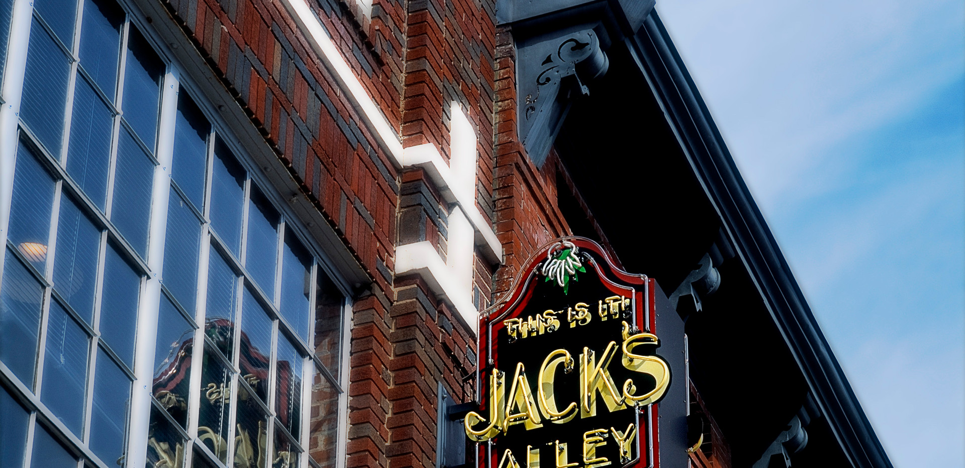 Jacks Alley sign MA2 hc fltn.jpg