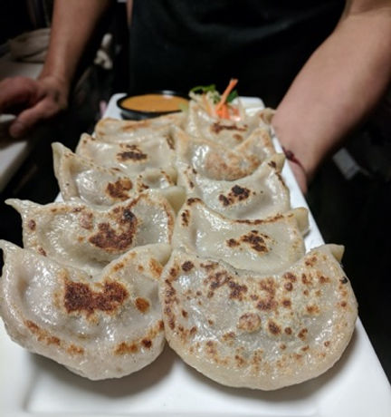 Pan-fried-beef-momos.jpg