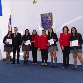 Con Premiación a Mejores Promedios se cierra el Año Escolar 2017