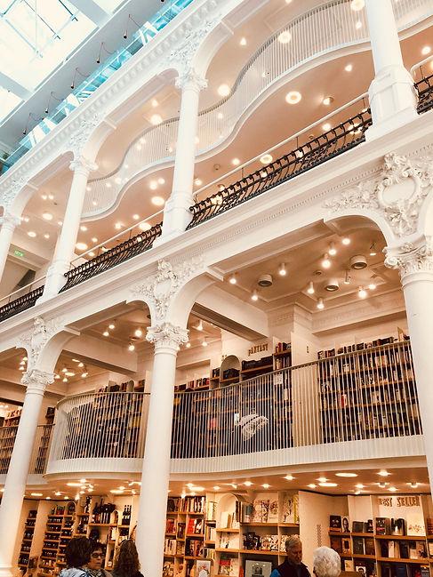 BookstoreInRomania.jpeg