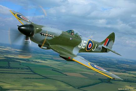 9 - Spitfire FR XIV - Pic1.jpg