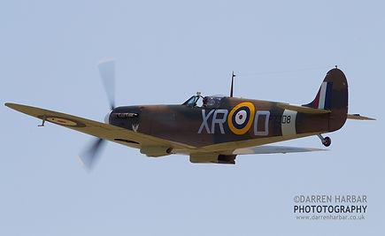 Spitfire 1a P7308 Pic - 2.jpg