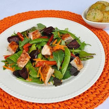 Spicy chicken & beetroot salad with garlic potatoes