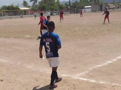 10 de mayo cierra en primer lugar del fútbol de primera fuerza