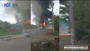 Se incendia camión que transportaba jóvenes deportistas de Escuinapa y Rosario