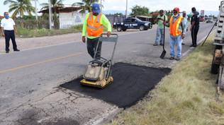 Arranca bacheo de la carretera estatal Escuinapa-Teacapán, los trabajos cubrirán 8 kilómetros