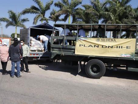 Habitantes de La Guasima, Acaponeta reciben apoyo alimenticio