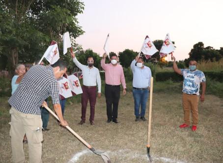 Continua ampliación de espacios públicos en comunidades de Escuinapa