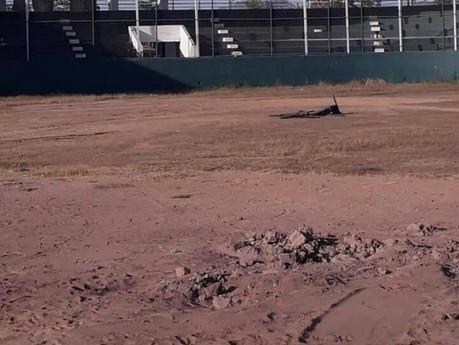 Claman beisbolistas rehabilitación del estadio municipal de beisbol en Escuinapa