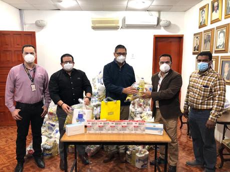 Recibe Ayuntamiento de Escuinapa 250 despensas y mil cubre bocas de tiendas OXXO.