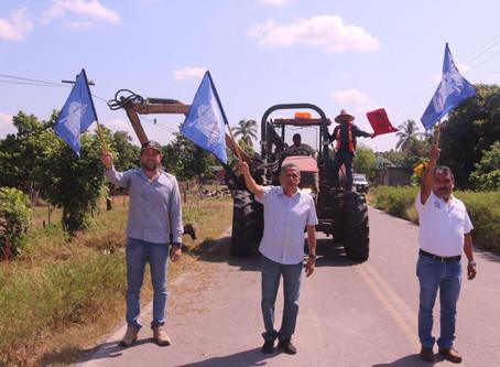 Arranca limpieza de maleza en carreteras estatales de Rosario