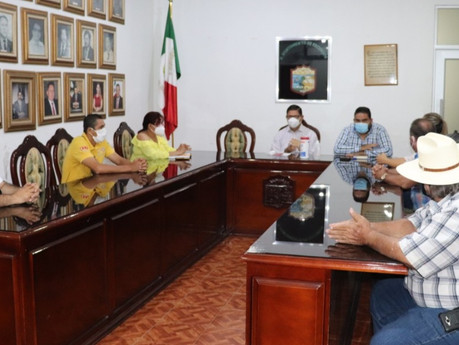 Se preparan en Escuinapa para apertura de centros de fiestas, meseros, cantinas y bares