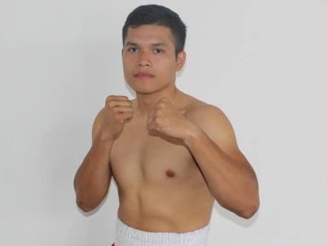 El escuinapense Brandón Espinoza  brincará a las grandes ligas del boxeo mexicano