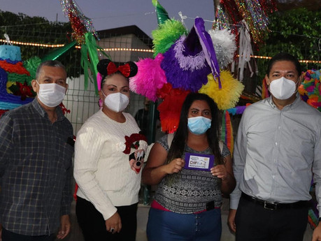El DIF Escuinapa lleva a cabo el primer concurso de piñatas navideñas.