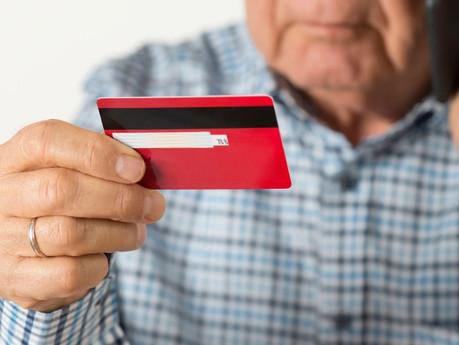 ¡Atentos! Denuncian presencia de estafadores de adultos mayores en Rosario