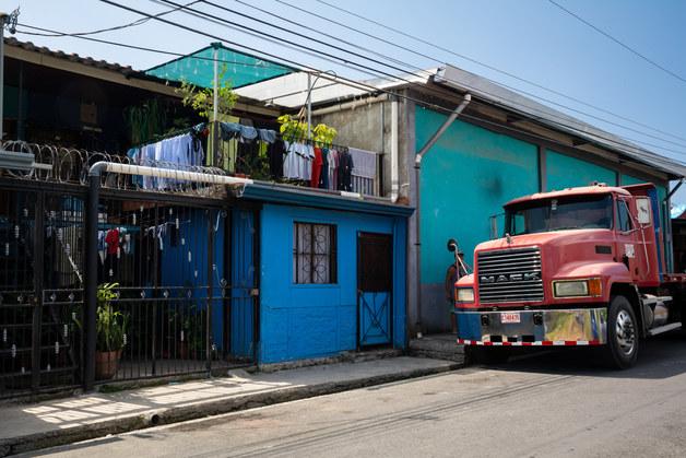 Big Truck, Little Street