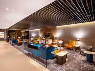 Qatar Airways Impresses with New Lounge at Singapore Airport