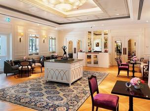 Yasemin Arrives at Four Seasons Hotel Istanbul Bosphorus
