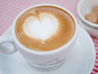 「眠りとカフェイン」実は意外な食品にもカフェインが含まれています