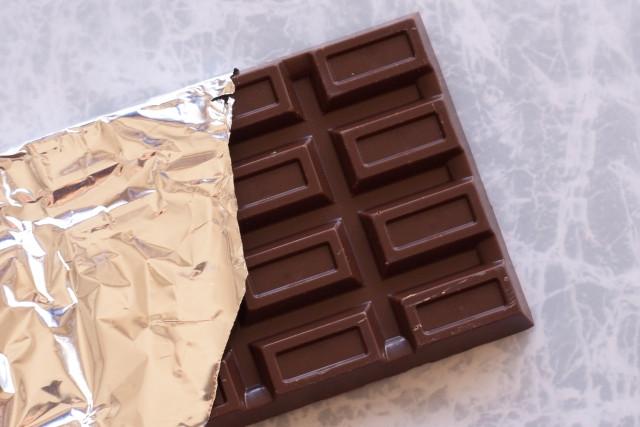 チョコレートにもカフェインが含まれます