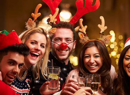 10 Ideas for Hosting a Budget Friendly Holiday Party