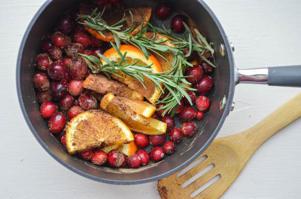 fresh ingredients used to make your home smell like the holidays